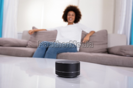 close-up, of, wireless, speaker, on, table - 23578542