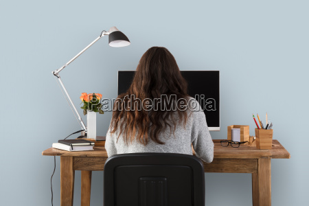 woman, working, on, computer - 23578390