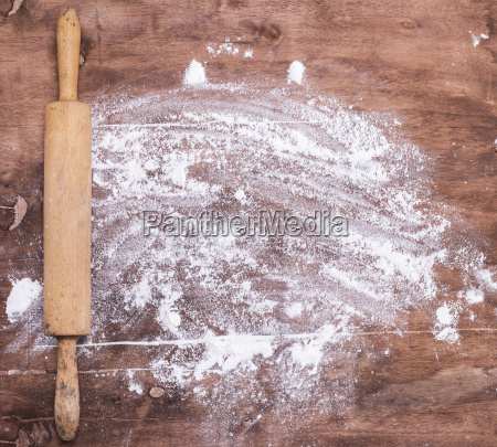 scattered white wheat flour