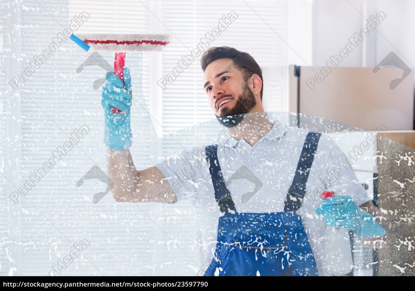 janitor, cleaning, window, with, squeegee - 23597790