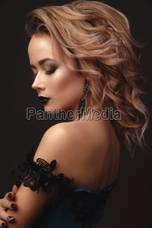gentle, portrait, of, beautiful, sexy, girl - 23598212
