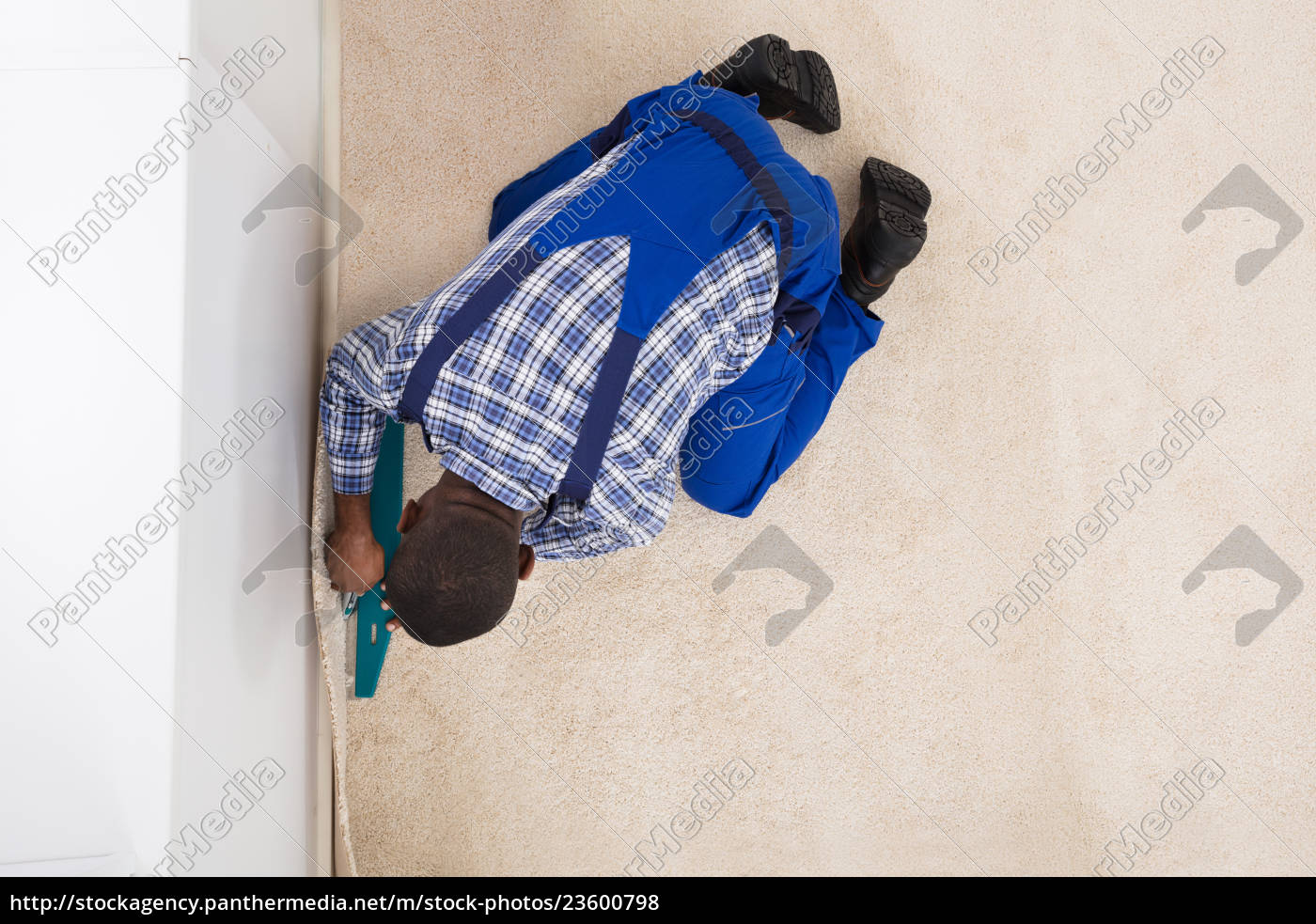 craftsman, installing, carpet - 23600798