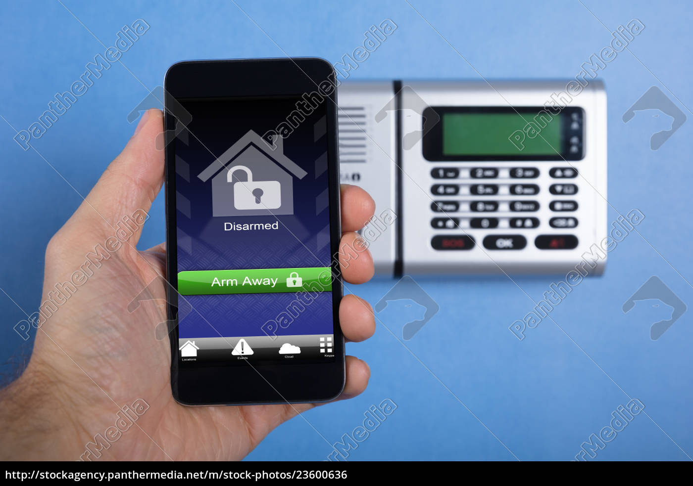 hand, holding, smartphone, for, arming, the - 23600636