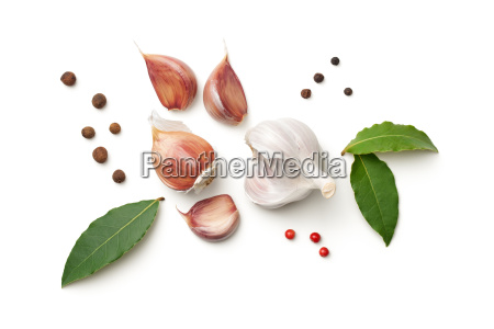 garlic bay leaves allspice and pepper