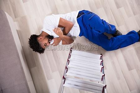 handy, man, falling, from, ladder, in - 23601308