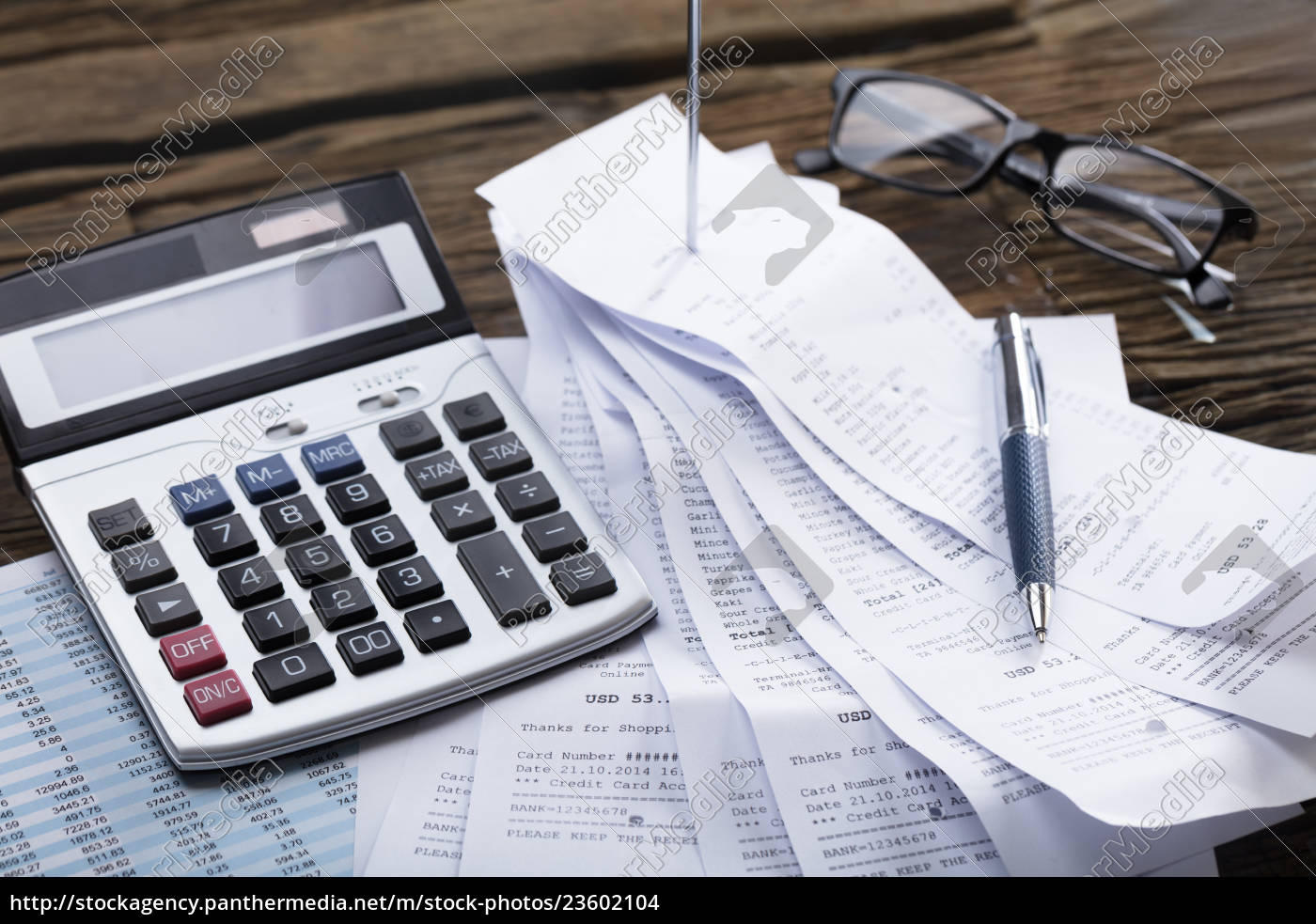 calculator, and, pen, on, receipt - 23602104