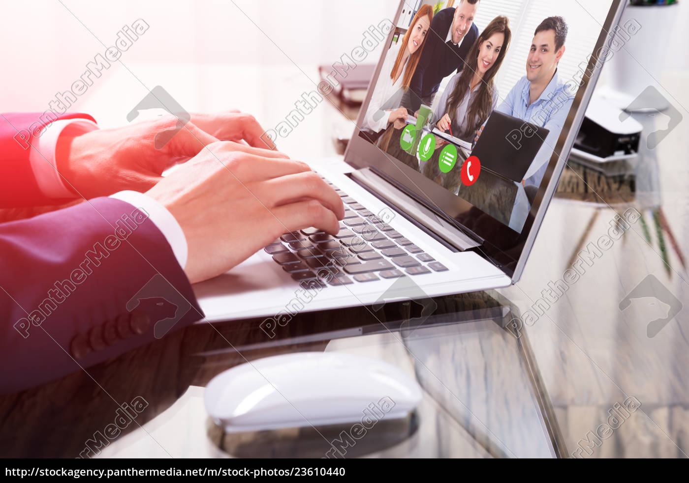 businessperson, video, conferencing, on, laptop - 23610440
