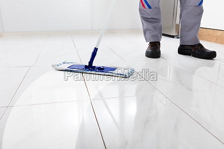 worker, mopping, floor - 23618182