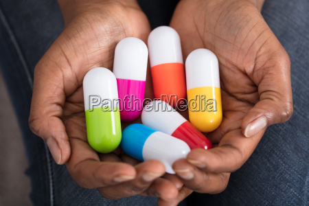 human, hand, with, variety, of, medicine - 23620388
