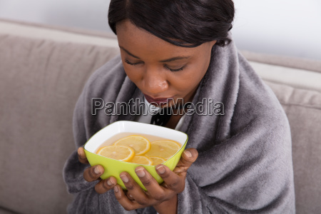 sick, woman, holding, bowl, with, sliced - 23620384