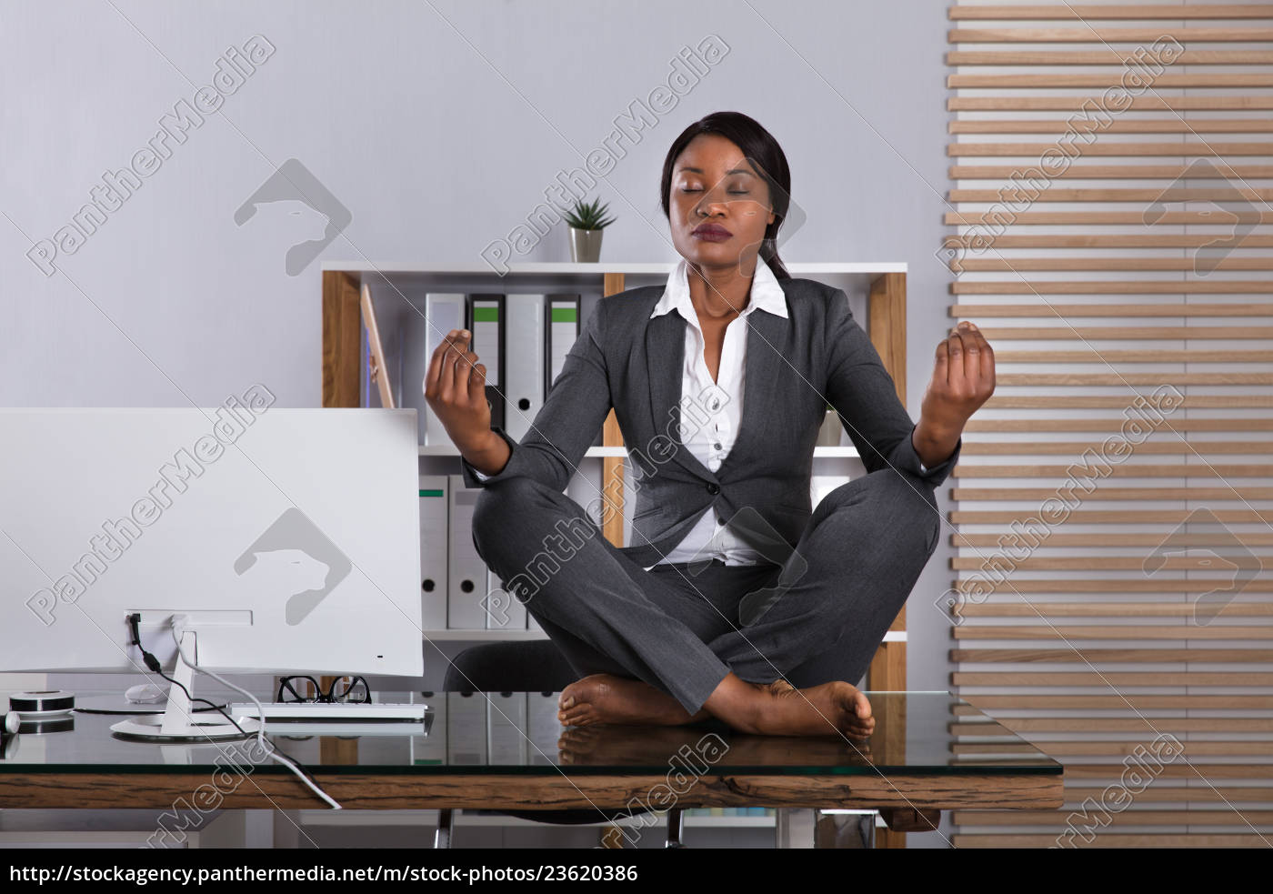 woman, meditating, in, office - 23620386