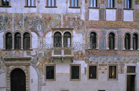 detail art closeup painting facade style