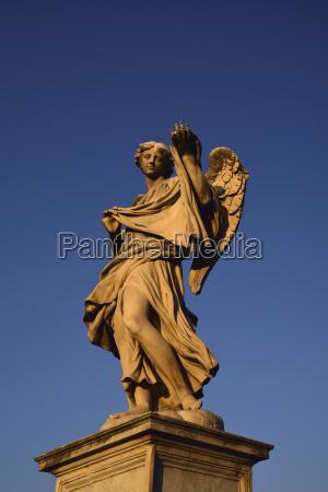 angel with sudarium on ponte santangelo