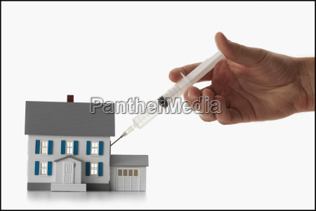 girls hand 12 13 injecting house