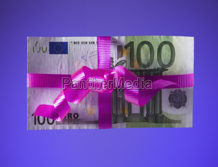 100 euro bill tied with a