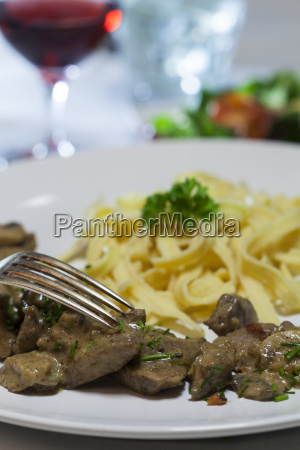 bavarian meat with noodles