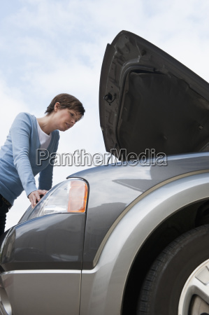 woman shopping for car