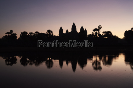 viaggio viaggiare storico tempio albero buio