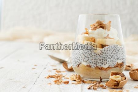 chia pudding parfait with banana