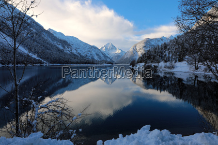 winter magic on plansee with the