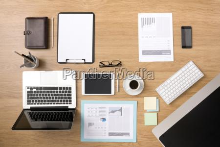 businessmans tidy desktop