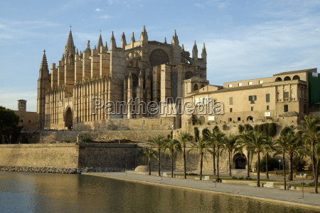 cathedral parc de la mar palma
