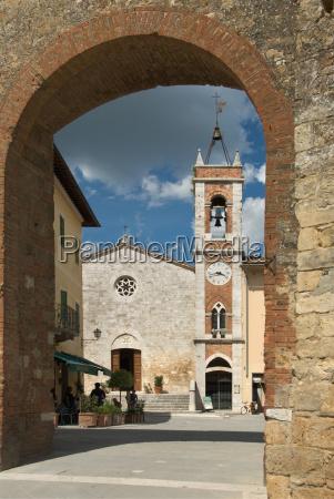 church bucolic arc look glancing see