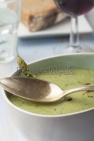 kerbel soup with red wine