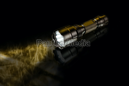 black anodized aluminium waterproof tactical flashlight