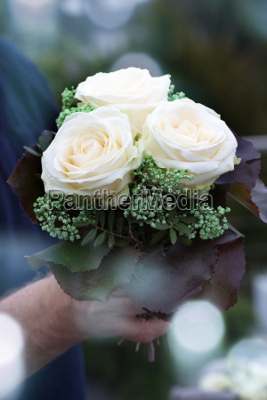 white roses for wedding