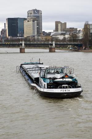 drive travel city town metropolis waters