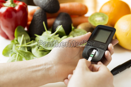 diabetes monitor diet and healthy food