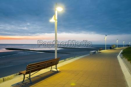 promenade, sea, lantern, bank, dammerung, norderney, ostfriesische, insel, nordseekuste, ostfriesland, lower, saxony, germany, europe - 24524442