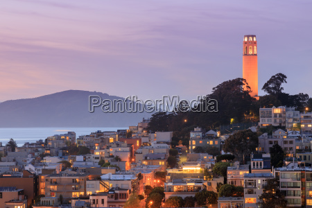 coit tower on telegraph hill with