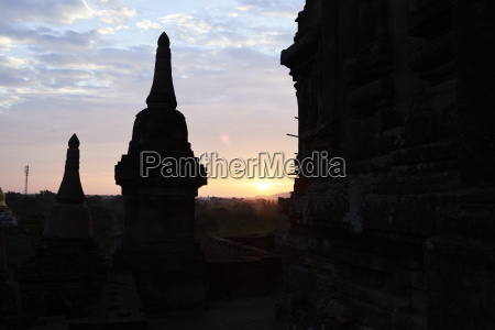 myanmar archaelogical site of bagan silhouettes