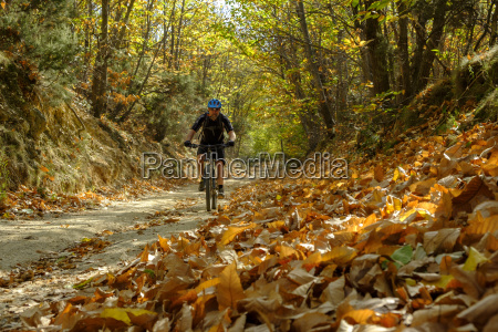 italy liguria finale ligure mountainbiker at