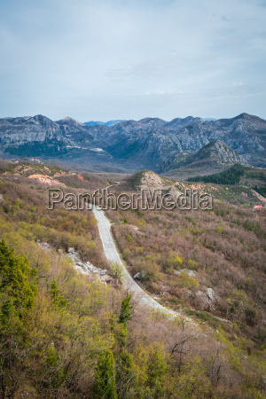 winding road through the skadar