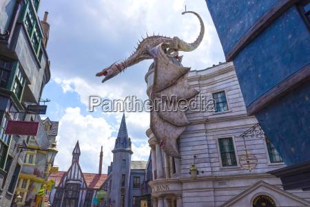 orlando usa may 8 2018 dragon