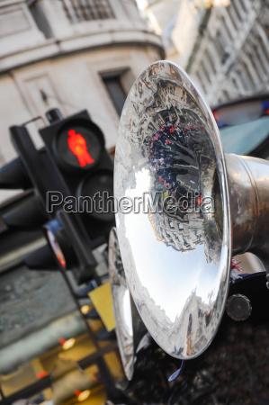 red light trombone trumpet