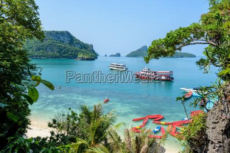 travel boat at koh mae ko