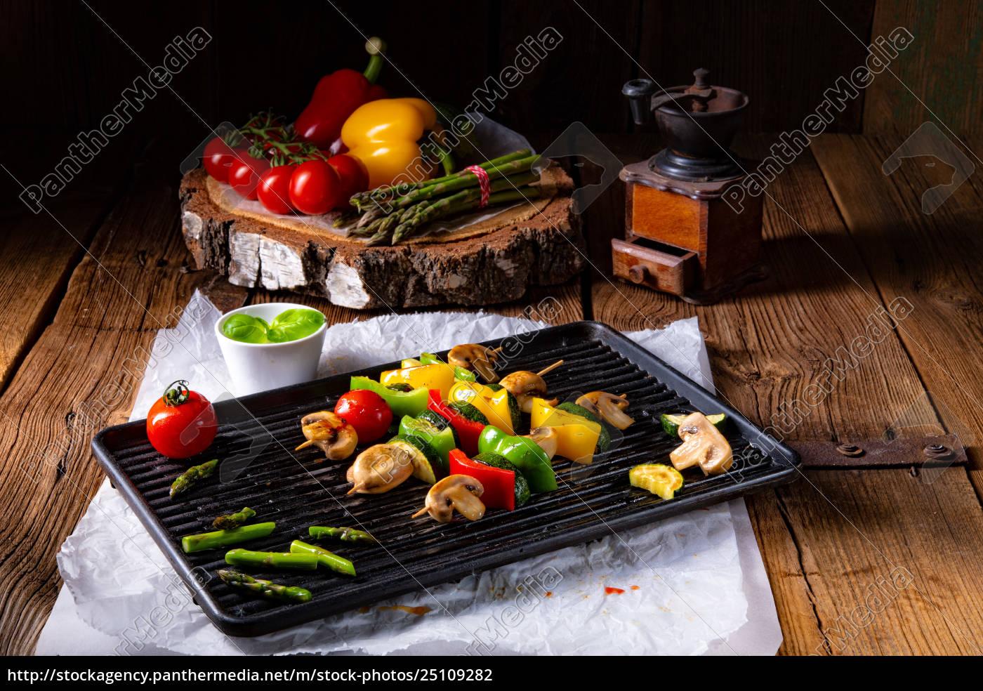 rustic, vegetable, shashlik, with, green, asparagus - 25109282