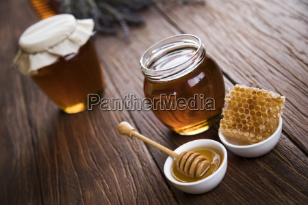 jar, of, honey, with, honeycomb - 25113154