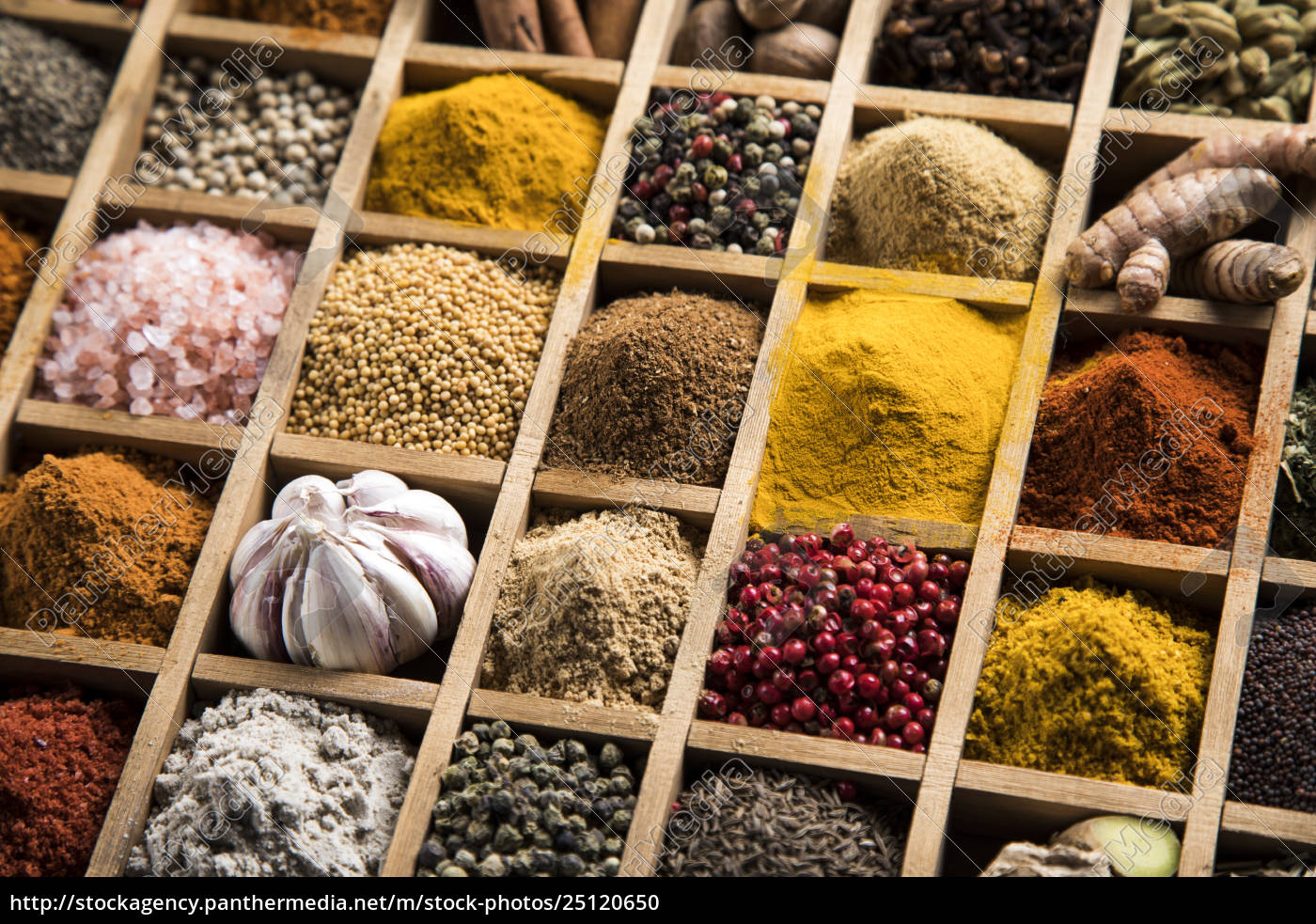 assorted, spices, in, a, wooden, box - 25120650