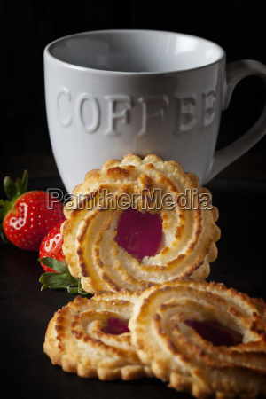 ox eye cookies strawberries and coffee