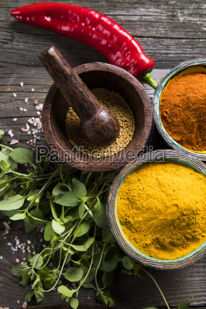 spices, on, wooden, bowl, background - 25122018