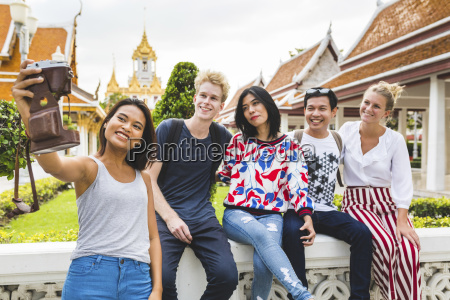 thailand bangkok five friends taking selfie