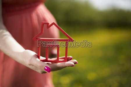 home, , meadow, , spring, , young, beautiful, pregnant - 25129942