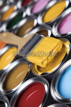 open, paint, cans, with, a, brush, - 25130788
