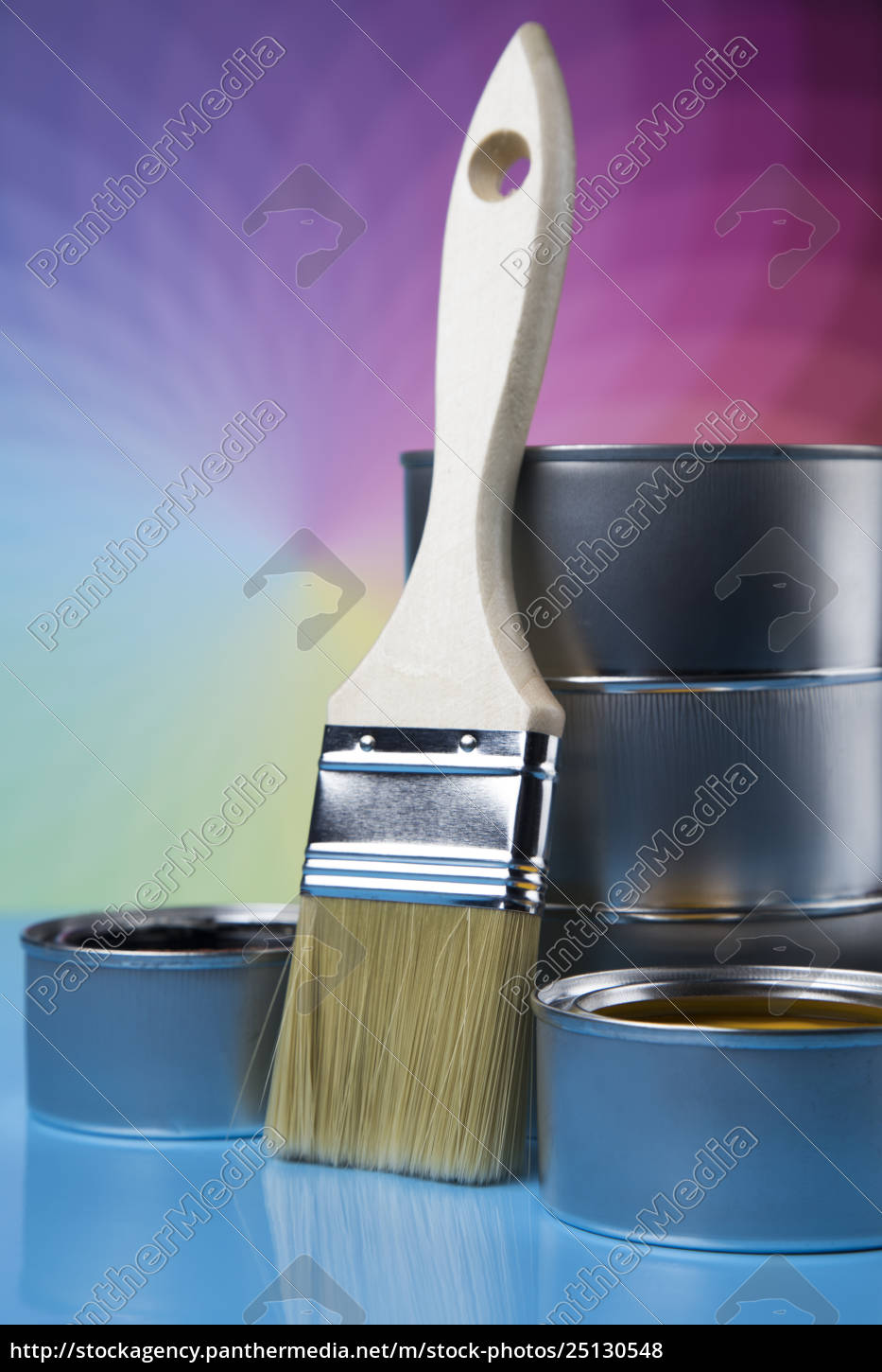paintbrush, on, cans, with, color - 25130548