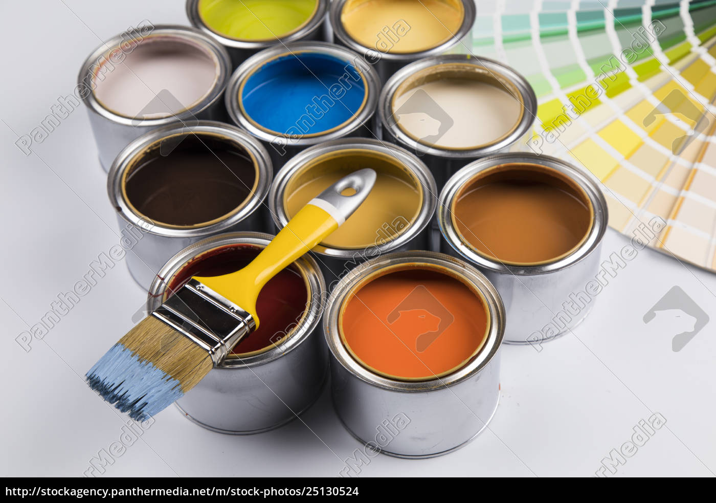 tin, cans, with, paint, and, brushes - 25130524